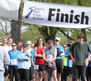 Seans Run From Autism 2011 Start